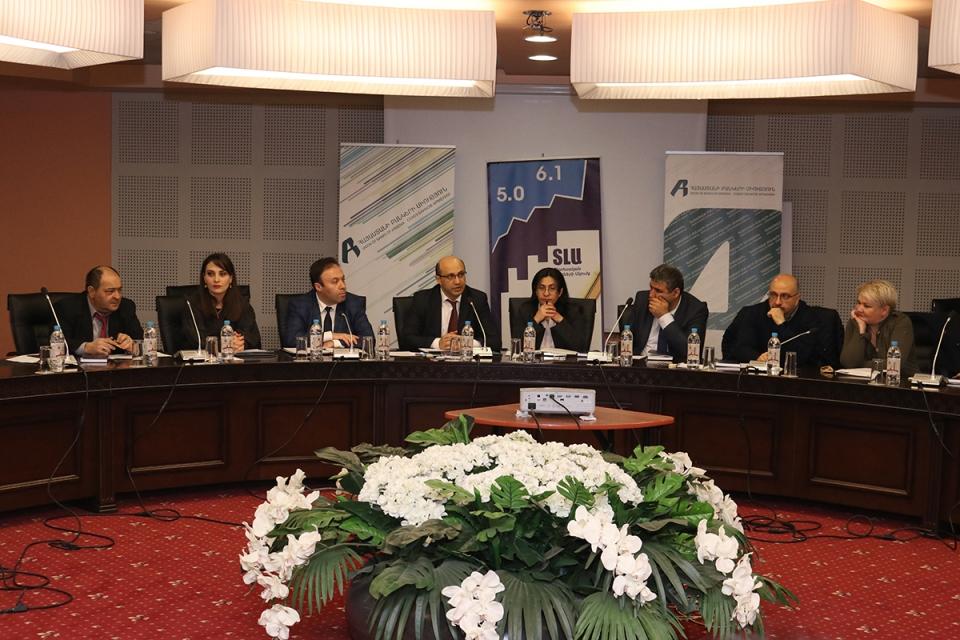 Կլոր սեղան «Բանկ-լրագրող համագործակցություն, ծրագրերն ու հեռանկարները» թեմայով